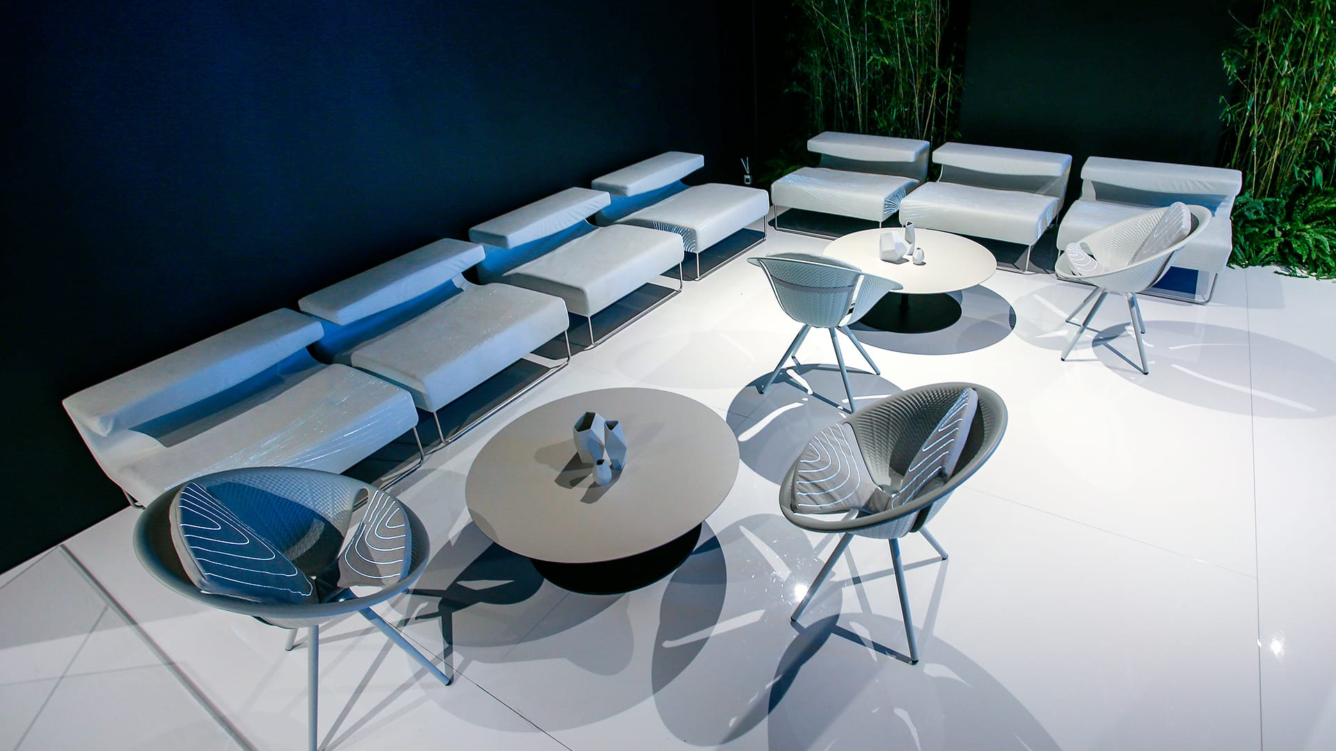 alcantara-corner-lounges-audi-city-lab-6 -
