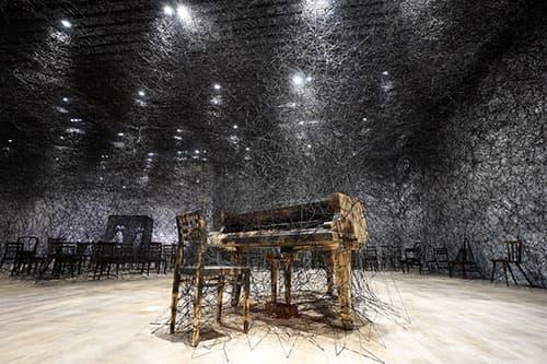 """Shiota Chiharu: The Soul Trembles"" in mostra al Mori Art Museum di Tokyo"