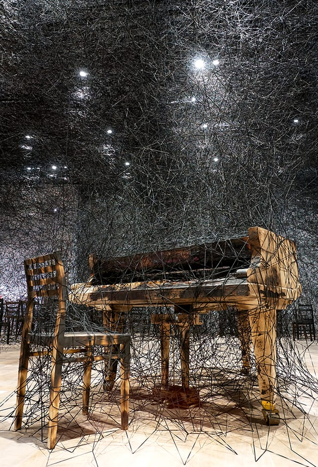 alcantara-in-silence-mori-art-museum-tokio-chiharu-shiota-2 -