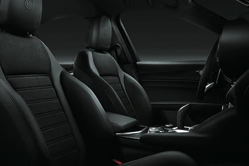 Alcantara per gli interni di Alfa Romeo Giulia e Stelvio MY2020