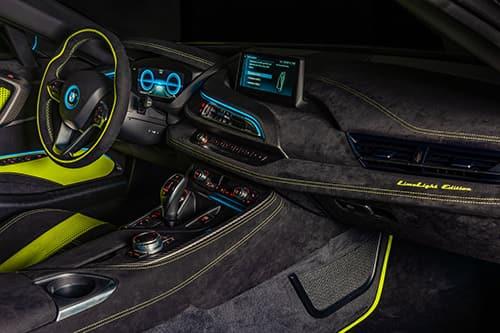 Alcantara e BMW i8 Roadster LimeLight Edition